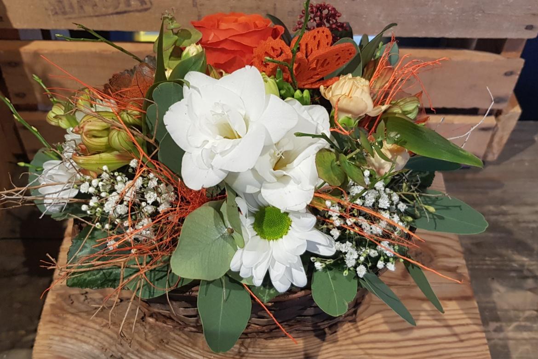 Corbeille allongée fleurie orange
