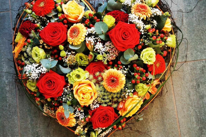 Cœur floral coloré